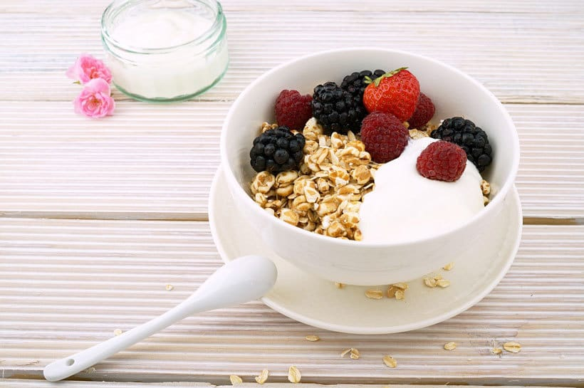 Stay healthy while flying: Fresh yogurt provides probiotics