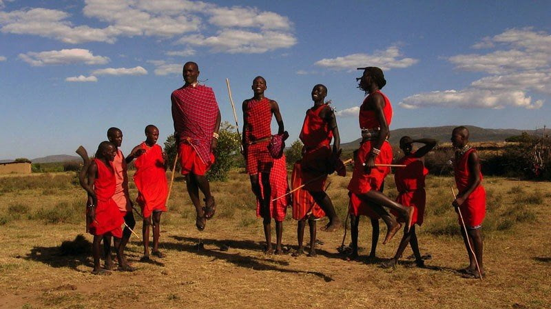 Maasai men compete in jumping. Image: tpsdave/Pixabay