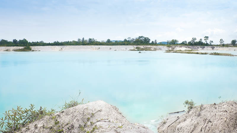 Try to photograph a kaolin lake when you visit Belitung