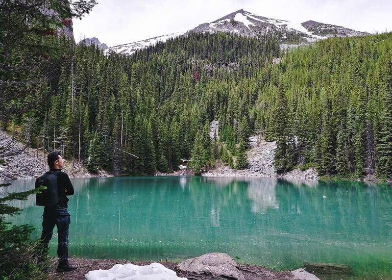 Mirror Lake, on the hike to Lake Agnes Tea House