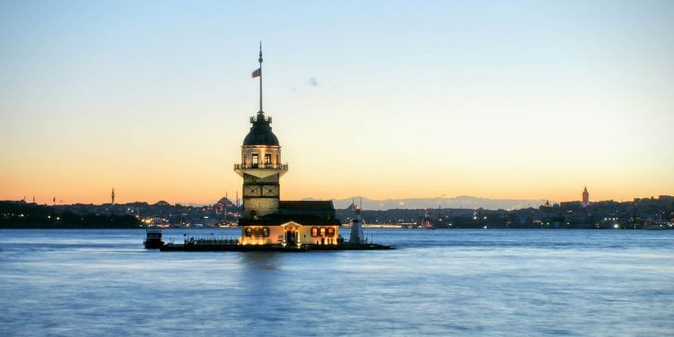 Kiz Kulesi Maiden's Tower, Istanbul. Photo: kohesti/Pixabay