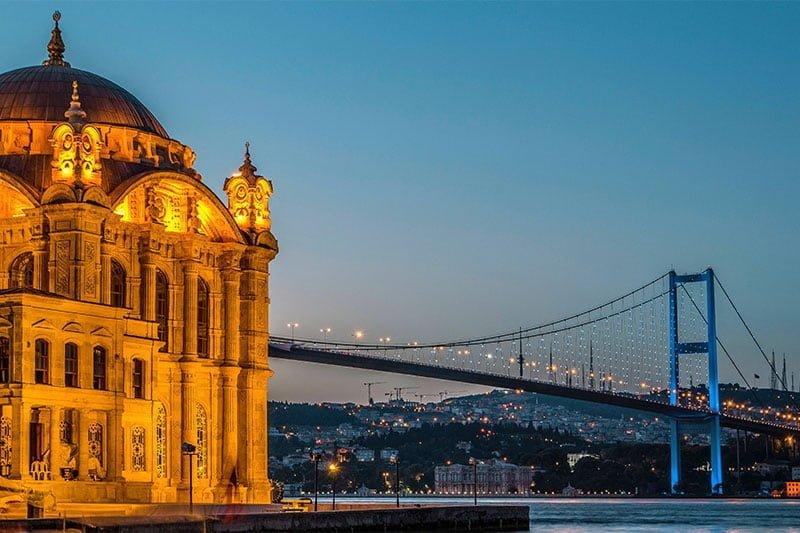 Ortakoy Mosque and Bosphorus Bridge, Istanbul. Photo: Burak Karaduman/Pexels