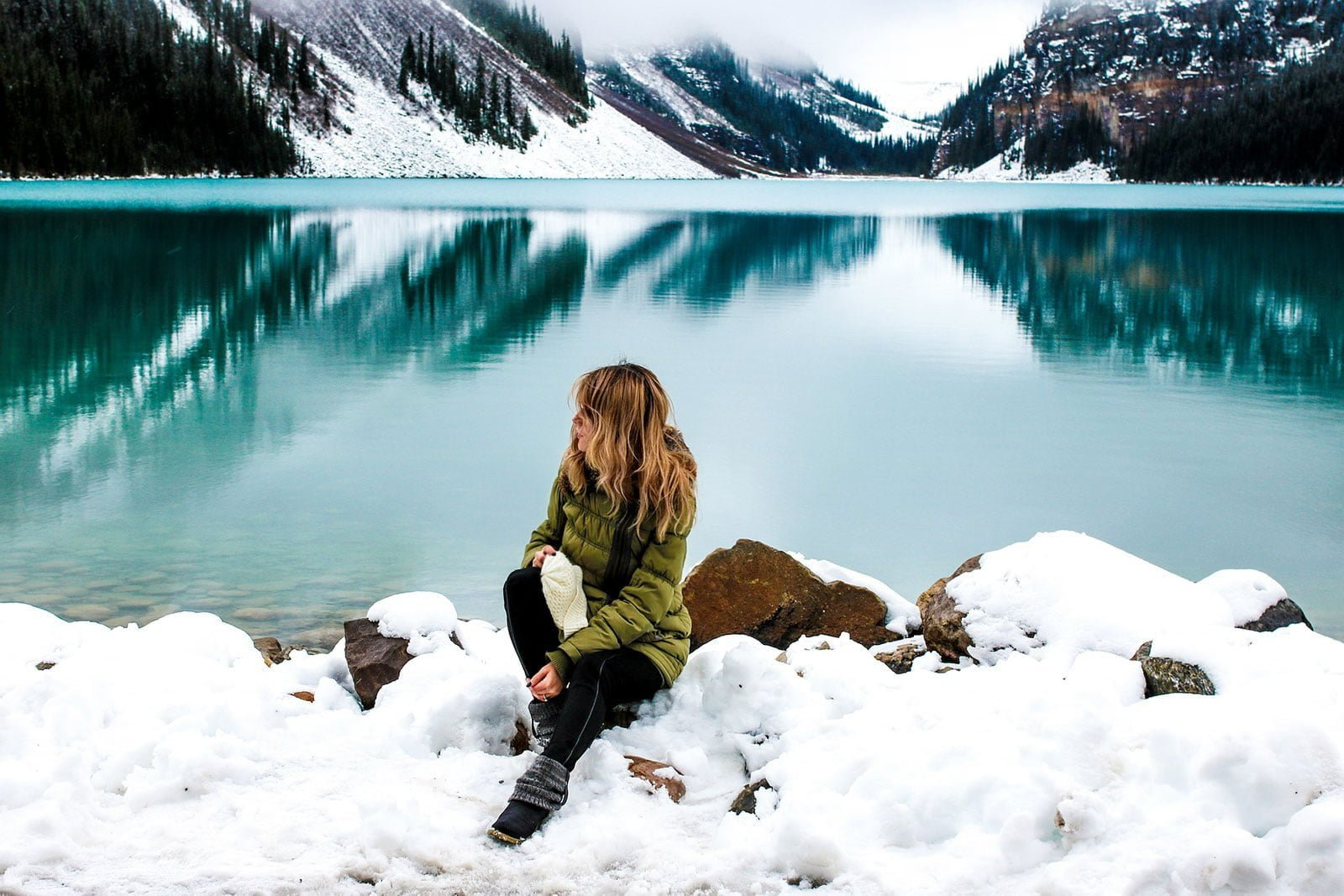 Winter sightseeing: Merino blend base layers for women are ideal