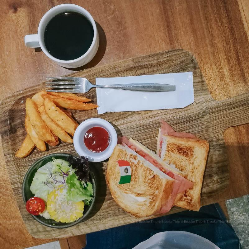 Breakfast sandwich at UIJ Hotel restaurant