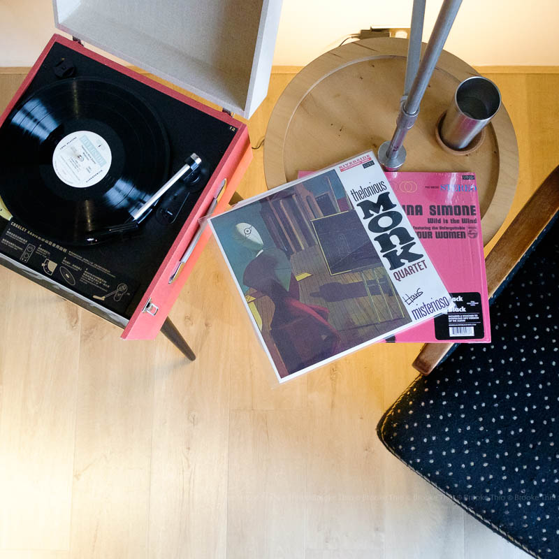 Record player in U.I.J Hotel Deluxe Room