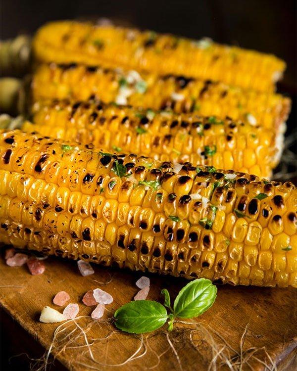 Grilled roasted maize. Photo: Dragne Marius / Unsplash
